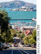 Cable Car auf der Hyde Street in San Francisco, Kalifornien, USA, ... Стоковое фото, фотограф Zoonar.com/Dirk Rueter / age Fotostock / Фотобанк Лори