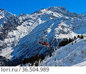 Skigebiet Les Contamines-Montjoie, Haute-Savoie, Frankreich / skiing... Стоковое фото, фотограф Zoonar.com/Pant / age Fotostock / Фотобанк Лори