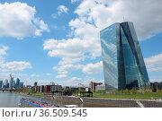 Frankfurt, main,ezb, europäische zentralbank, skyline, stadt, großstadt... Стоковое фото, фотограф Zoonar.com/Volker Rauch / easy Fotostock / Фотобанк Лори