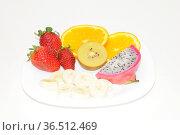 Obst, obstteller, gesund, lebensmittel, frucht, früchte, banane, apfelsine... Стоковое фото, фотограф Zoonar.com/Volker Rauch / easy Fotostock / Фотобанк Лори