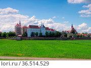 Torgau Burg Hartenfels in Sachsen - Hartenfels Castle in Torgau, Saxony... Стоковое фото, фотограф Zoonar.com/Liane Matrisch / easy Fotostock / Фотобанк Лори