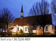Fischerkirche St. Clemens am Abend, Buesum, Dithmarschen, Schleswig... Стоковое фото, фотограф Zoonar.com/Stefan Ziese / age Fotostock / Фотобанк Лори