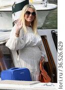 Francesca Barra pregnant arrive at the Darsena of Hotel Excelsior... Редакционное фото, фотограф Maria Laura Antonelli / AGF/Maria Laura Antonelli / age Fotostock / Фотобанк Лори