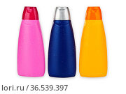 Shampoon Flaschen freigestellt auf weissem Hintergrund. Стоковое фото, фотограф Zoonar.com/Birgit Reitz-Hofmann / age Fotostock / Фотобанк Лори