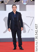 Claudio Santamaria during 'Freaks Out' red carpet during the 78th... Редакционное фото, фотограф AGF/Maria Laura Antonelli / age Fotostock / Фотобанк Лори
