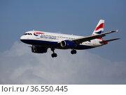 Image of aircraft of company British Airways during landing (2020 год). Редакционное фото, фотограф Яков Филимонов / Фотобанк Лори