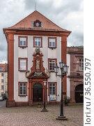 Гейдельберг, Германия. Красивый фасад старого здания (2017 год). Редакционное фото, фотограф Rokhin Valery / Фотобанк Лори