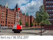 HAMBURG, GERMANY - JULY 18.2016: Famous Speicherstadt warehouse district... Стоковое фото, фотограф Zoonar.com/PAUL WASCHTSCHENKO / age Fotostock / Фотобанк Лори