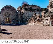 Perge Tor zu den südlichen Thermen von innen. Стоковое фото, фотограф Zoonar.com/Wieland Hollweg / age Fotostock / Фотобанк Лори