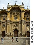 Barocke Hauptfassade der Kathedrale von Granada, Granada, Spanien... Стоковое фото, фотограф Zoonar.com/Pant / age Fotostock / Фотобанк Лори