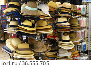 Hat for sale in Malaga, Andalusia,Spain. Стоковое фото, фотограф Frederic Soreau / age Fotostock / Фотобанк Лори