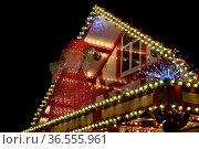 Beleuchtung, weihnachtsbeleuchtung, lampe, licht, lichter, bunt, advent... Стоковое фото, фотограф Zoonar.com/Volker Rauch / easy Fotostock / Фотобанк Лори