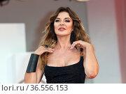 Alba Parietti during 'Deandré#Deandré Storia Di Un Impiegato' red... Редакционное фото, фотограф AGF/Maria Laura Antonelli / age Fotostock / Фотобанк Лори