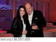Ein Herz und eine Seele: Laura Pinski (Sängerin und European Song... Стоковое фото, фотограф Zoonar.com/Joachim Hahne / age Fotostock / Фотобанк Лори