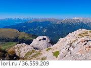 Groedner Tal in den Dolomiten - Val Gardena in Alps, Dolomites. Стоковое фото, фотограф Zoonar.com/Liane Matrisch / easy Fotostock / Фотобанк Лори