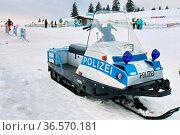 Motorschlitten der Polizei am Feldberg. Стоковое фото, фотограф Zoonar.com/Joachim Hahne / age Fotostock / Фотобанк Лори