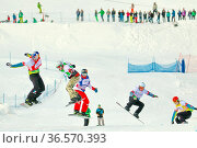 Coole Typen, weite Sprünge, beim FIS Weltcup Snowboard SBX 2016 am... Стоковое фото, фотограф Zoonar.com/Joachim Hahne / age Fotostock / Фотобанк Лори