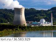 Atomkraftwerk Leibstadt / Schweiz (CH) von der deutschen Seite aus... Стоковое фото, фотограф Zoonar.com/Joachim Hahne / age Fotostock / Фотобанк Лори