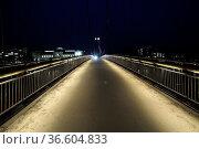 Hohlbeinsteg, steg, brücke, frankfurt, city, rhein-main-gebiet, hessen... Стоковое фото, фотограф Zoonar.com/Volker Rauch / easy Fotostock / Фотобанк Лори