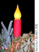 Elektrische Kerze auf dem Weihnachtsmarkt in der Ravennaschlucht ... Стоковое фото, фотограф Zoonar.com/Joachim Hahne / age Fotostock / Фотобанк Лори