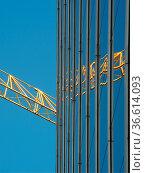 Baustelle, bauindustrie, kran,kräne, baukran, baukräne, architektur... Стоковое фото, фотограф Zoonar.com/Volker Rauch / easy Fotostock / Фотобанк Лори