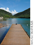 Limski-Kanal , steg, bootssteg, Istrien, limfjord, lim-fjord, limskikanal... Стоковое фото, фотограф Zoonar.com/Volker Rauch / easy Fotostock / Фотобанк Лори