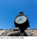 Historische Uhr in der Altstadt von Dresden. Стоковое фото, фотограф Zoonar.com/Karl Heinz Spremberg / age Fotostock / Фотобанк Лори