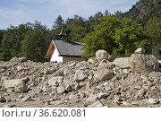 Murenabgang im Ötztal verschüttet kleine Kapelle. Стоковое фото, фотограф Zoonar.com/Eder Christa / age Fotostock / Фотобанк Лори