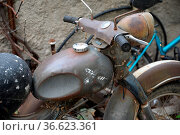 Lampe, alt, fmotorradlampe, Rostiges motorrad, rost, motorrad, braun... Стоковое фото, фотограф Zoonar.com/Volker Rauch / easy Fotostock / Фотобанк Лори