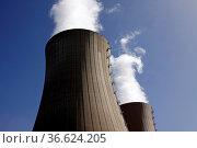 Kernkraftwerk Grohnde. Стоковое фото, фотограф Zoonar.com/Martina Berg / easy Fotostock / Фотобанк Лори