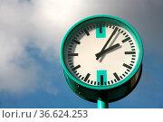 Uhr. Стоковое фото, фотограф Zoonar.com/Martina Berg / easy Fotostock / Фотобанк Лори