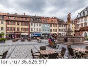 Гейдельберг, Германия. Фонтан на Рыночной площади (Marktplatz) (2017 год). Редакционное фото, фотограф Rokhin Valery / Фотобанк Лори