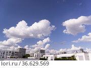 Luxus-Neubaugebiet Mildred Scheel Bogen in München, Foto: Robert ... Стоковое фото, фотограф Zoonar.com/Robert B. Fishman / age Fotostock / Фотобанк Лори