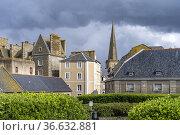 Turm der Kathedrale St Vincent Saint Malo, Bretagne, Frankreich | ... Стоковое фото, фотограф Peter Schickert / age Fotostock / Фотобанк Лори