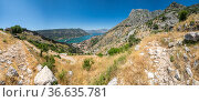 Panorama of the Bay of Kotor and the fortress (2019 год). Стоковое фото, фотограф Юлия Белоусова / Фотобанк Лори