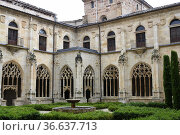 Ona, Monastery of San Salvador (gothic cloister 15th century). Burgos... Стоковое фото, фотограф J M Barres / age Fotostock / Фотобанк Лори