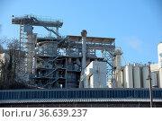 Industrie, industrielandschaft, industriegebäude, fabrik, grau, fabrikgebäude... Стоковое фото, фотограф Zoonar.com/Volker Rauch / easy Fotostock / Фотобанк Лори