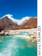 Landscape view of Langtang Lirung peak, part of snow-capped Himalaya... Стоковое фото, фотограф Zoonar.com/Pius Lee / easy Fotostock / Фотобанк Лори