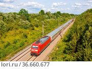 Stuttgart, Deutschland - 12. Mai 2021: InterCity IC Zug der DB Deutsche... Стоковое фото, фотограф Zoonar.com/Markus Mainka / age Fotostock / Фотобанк Лори