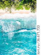 Seychellen Seychelles Takamaka Strand Mahe Hochformat Paradies Ozean... Стоковое фото, фотограф Zoonar.com/Markus Mainka / easy Fotostock / Фотобанк Лори