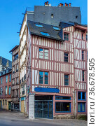 Street in historical center of Rouen with half-timbered houses, France. Стоковое фото, фотограф Zoonar.com/Boris Breytman / easy Fotostock / Фотобанк Лори