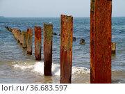 Stahlträger an der Küste Helgolands. Стоковое фото, фотограф Zoonar.com/Martina Berg / easy Fotostock / Фотобанк Лори