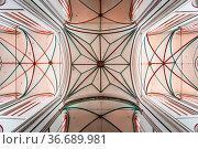 Schwerin, Germany - August 2, 2019: Interior view of Cathedral. Directly... Стоковое фото, фотограф Zoonar.com/@jjfarquitectos / age Fotostock / Фотобанк Лори