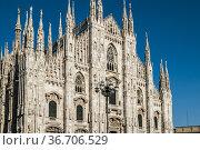 Façade of Milan Cathedral (Duomo di Milano), Piazza del Duomo, Milan... Стоковое фото, фотограф Arthur S. Ruffino / age Fotostock / Фотобанк Лори