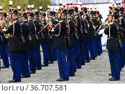 The daily ceremony of the continuity of remembrance at the Arc de... Редакционное фото, фотограф Frederic Soreau / age Fotostock / Фотобанк Лори