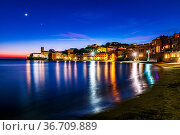 Nocturnal view of the old town of Sestri Levante in the Italian Riviera... Стоковое фото, фотограф Zoonar.com/fabio lotti / easy Fotostock / Фотобанк Лори