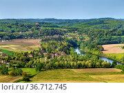 View of valley of Dordogne river from Domme rock, France. Стоковое фото, фотограф Zoonar.com/Boris Breytman / easy Fotostock / Фотобанк Лори