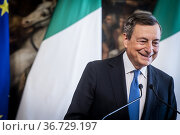 Italian Prime Minister Mario Draghi atttends a press conference at... Редакционное фото, фотограф Alessandro Serrano' / AGF/Alessandro Serrano' / / age Fotostock / Фотобанк Лори