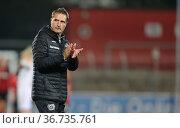 Leverkusen, Deutschland, 08.10.2021, Flyeralarm Frauen Bundesliga... Редакционное фото, фотограф Juergen Schwarz / age Fotostock / Фотобанк Лори