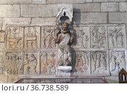 Santa Maria de Gracia church (romanesque-gothic 13th century), stone... Стоковое фото, фотограф J M Barres / age Fotostock / Фотобанк Лори